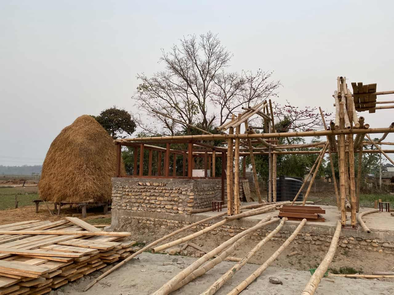 madi eco-village community hall baufortschritt